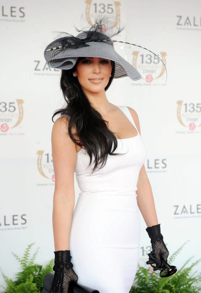 fashion-2013-04-02-kentucky-derby-hats-kim-kardashian-main