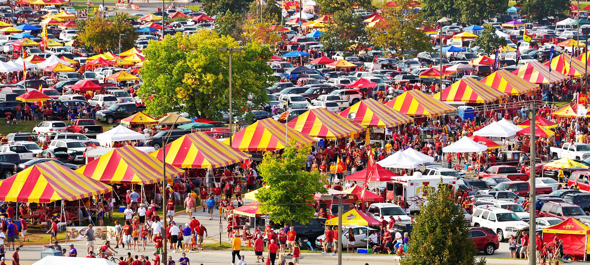 ISU tailgating scene - courtesy of Cyclonetents.com