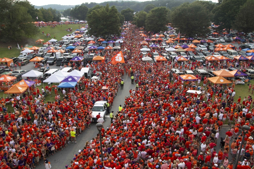 Tiger Walk through tailgate - photo courtesy of fansided.com