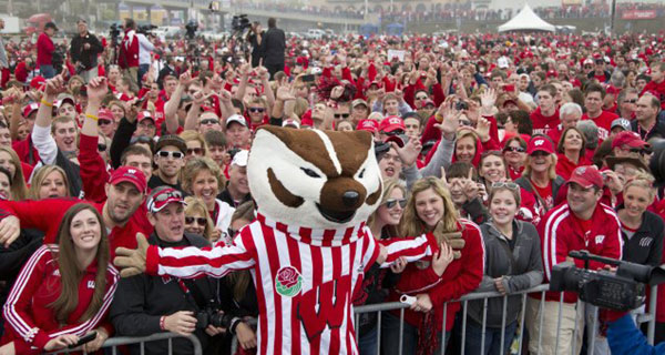 Fans at Wisconsin's tailgate