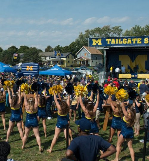 Wolverine cheerleaders at the tailgate show